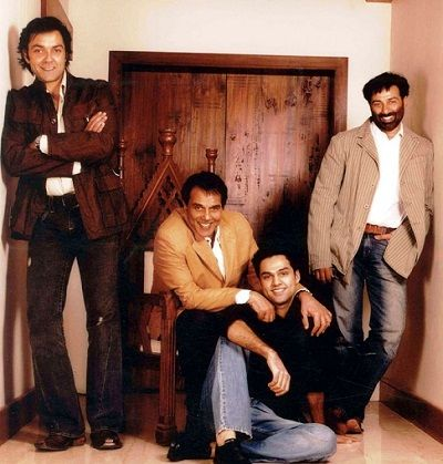 In picture (From Left) Bobby Deol, Dharmendra, Abhay Deol and Sunny Deol